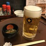 居酒屋・炭火焼 庄八 - ドリンク写真:生ビールとお通し