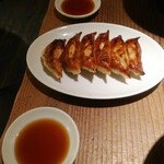 大澤麺工房 一葵 - 屋台ギョーザ