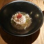 大澤麺工房 一葵 - 梅とじゃこの炙りご飯