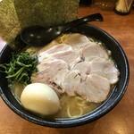いどばた家 - 料理写真:チャーシュー麺味玉追加
