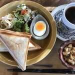 杏Cafe - Bホットサンドセット(モーニング)