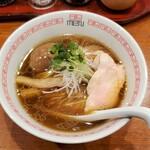 六九麺 - 鶏薫たまご醤油らぁめん 全景