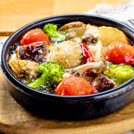 ビストロ タケノヤ - 野菜とキノコのアヒージョ