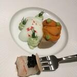 126099901 - 雲丹、胡瓜、セップ茸のロワイヤル ラングスティーヌとキャビア、ヴェルジュ