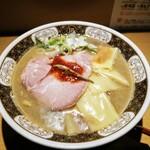 すごい煮干ラーメン凪 - すごい煮干ラーメン(中盛)