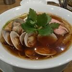 むぎとオリーブ - 料理写真:蛤SOBA