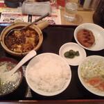 台湾料理 千客萬来 - 麻婆豆腐セット@800(別)