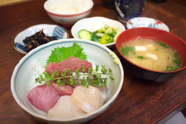和食 かとう - 盛合せ刺身定食(1350円)