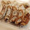 中華料理 幸楽 - 料理写真:テイクアウトの餃子×2