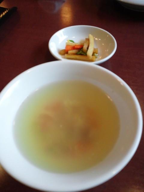 四川料理 蜀彩 - 白湯ベースのさっぱりスープ