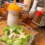 イベリコ豚おんどる焼 裏渋屋 - サラダ