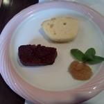 ラ・ターブル・ドゥ・べべ - デザートのケーキ
