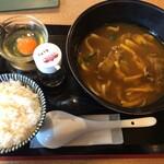 味味香 - 牛肉きつねカレーうどんとご飯と生卵