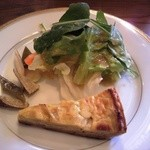 ナポリナト - 絶品!前菜、サラダとキッシュと自家製ピクルス