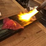 126143087 - お通しの和牛炙り寿司