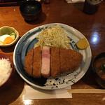 Buta inagaki - 岩手産岩中ポークの、リブロースかつ定食です