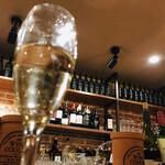 塊 ミートバル - スパークリングワイン