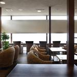 CAFE風 - 開放的な空間にウォーターヒヤシンスのソファ