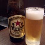新東京軒 餃子&定食 - サッポロラガービール中瓶
