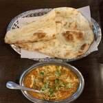 Devi Corner - ムルグラジージ、ナン