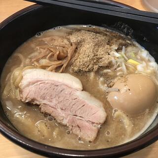 葵 aoi - 料理写真:濃厚とんこつラーメン 味玉 800円