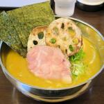 ブリキの木こり - 料理写真:鶏白湯 家系ver900円
