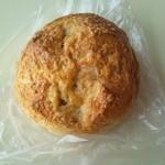 12617989 - ごぼうパン 160円