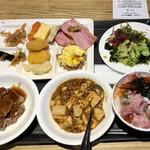 函館国際ホテル - 料理写真:海戦の他にも、お肉類、麻婆豆腐まであります。