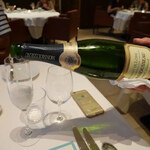 126172745 - スパークリングワイン                       クレマン・ド・ロワール                       「MONMOUSSEAU」