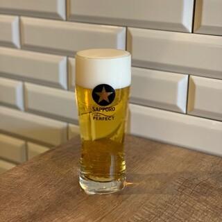 乾杯にも最適なビールは「パーフェクト黒ラベル」をご用意