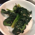 上野ソルロンタン - 青菜の胡麻和えがまた美味しい こういう家庭料理系が酒のアテです