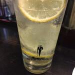 上野ソルロンタン - さすがにハイボールばっかりだったのでレモンサワーにしました(笑)