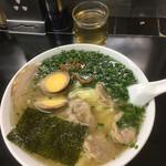 中華そば 高はし - 雲呑麺1,000円+醬蛋100円(いずれも税込)