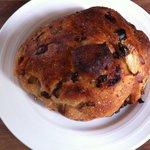 ムッシュ・ソレイユ - キャベツとアンチョビのパン