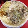 豚男 -BUTAMEN- - 料理写真:ラーメン中+生姜+ほぐし豚 ニンニクアブラカレーカリカリ