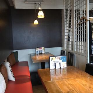 渋谷肉割烹バル和牛男  COWBOY 渋谷宇田川町本店 - 店内。