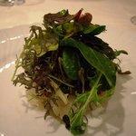 1262326 - 本日の前菜;津久見産寒ビラメと湯布院根菜類のタルタルスモークの香りの塩を