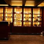 サンタ・マリア・ノヴェッラ・ティサネリーア - 隣には世界最古の薬局の支店が併設されている