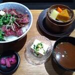 小樽食堂 - ビフテキ丼 1180円