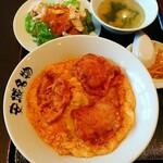 126206851 - ランチセットⒶ北京飯+バンバンジー+スープ+辛もやし744円