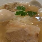 贔だしや - 料理写真:貝だし塩そば+味タマ♪