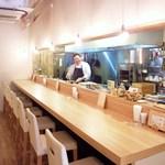 洋食堂 はなや - おちゃめなマスターが美味しい料理を作ってくれます(承認ずみ)