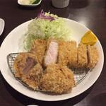 126223655 - ロースカツと一口ヒレカツ定食 1,400円(1,540円)