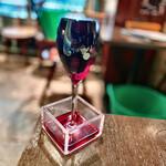 TAGEN DINING CAFE - こぼれ赤ワイン