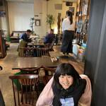 TAGEN DINING CAFE - 店内の雰囲気とおチビ