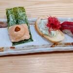126230270 - 前菜盛り合わせ(ポテトサラダコーンビーフのせ、和牛寿司、うにチーズ煎餅 ♪