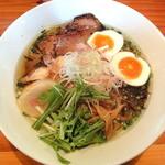 麺や 亀陣 - 有機白醤油(750円)+味玉のせ(100円)