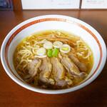 中華そば 嘉一 - 料理写真:☆【中華そば 嘉一】さん…鶏チャーシュー麺(≧▽≦)/~♡☆