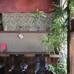 杏Cafe - カウンター席も