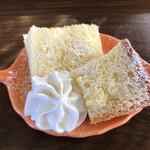 杏Cafe - LINEフォローすると初回からモーニング時につくミニデザート